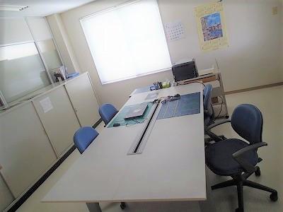 事務室個室床張り替え工事のアイキャッチ画像